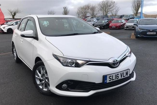 Toyota Auris Business Edition 1.2T 5Dr M