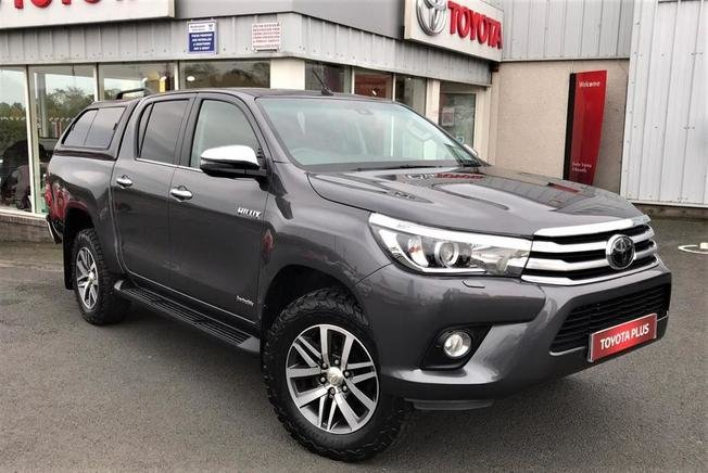 Toyota HILUX Invincible 2.4 3.5t DM ECO