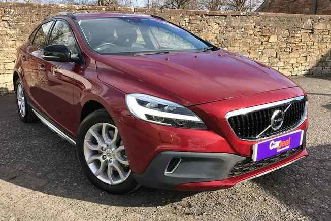 VOLVO V40 Cross Country Pro 2.0 T3 150BHP 5Dr Manual