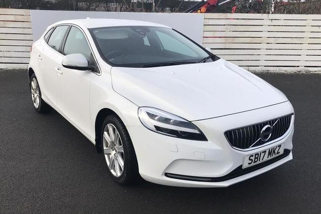 VOLVO V40 Inscription T2